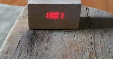 Download gratis STL-bestand Raspberry zero TM1637 LED-klokproject bedekt met vaneer • 3D-printerobject ・ Cults