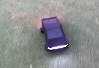 Tesla cyber truck met behulp van een 3D-printer en Arduino.